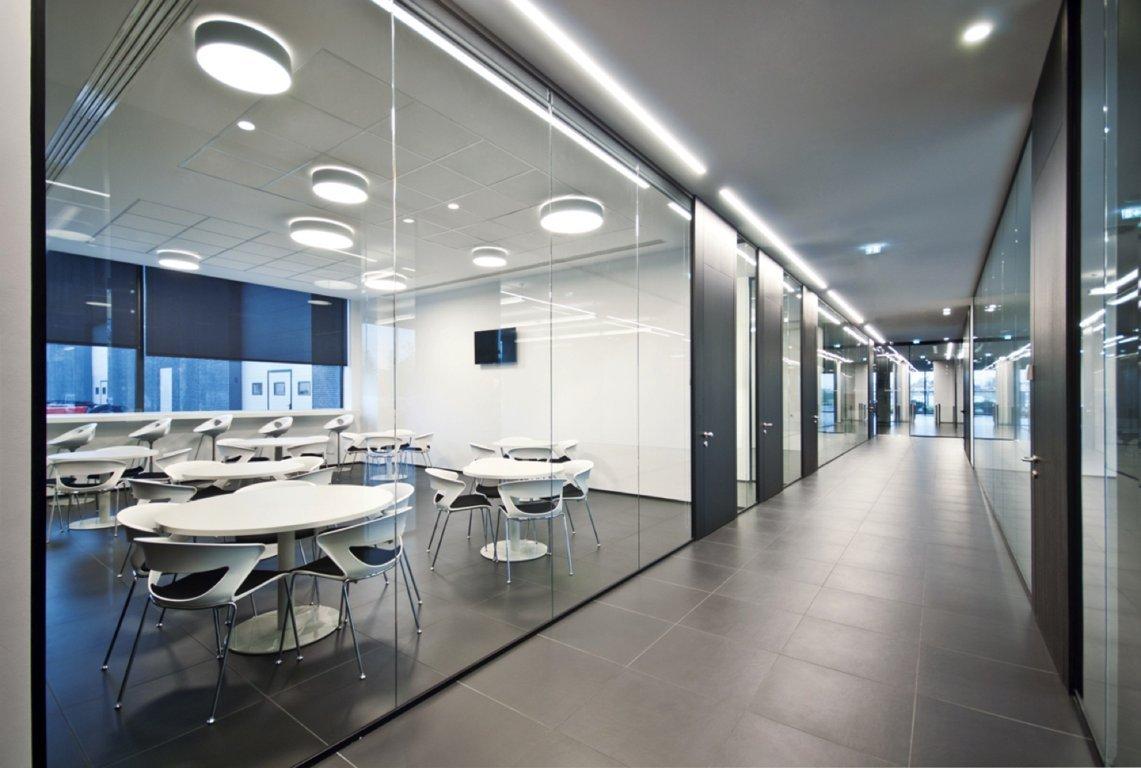 Pareti vetrate per uffici bortondello vito figli for Mobili design ufficio